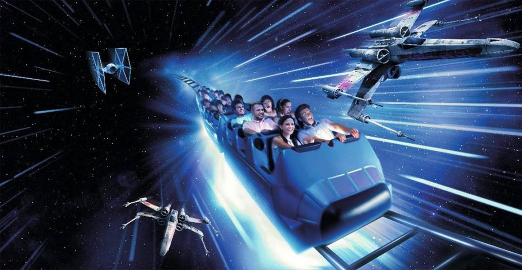 Indoor-Achterbahn Hyperspace Mountain im Disneyland Paris