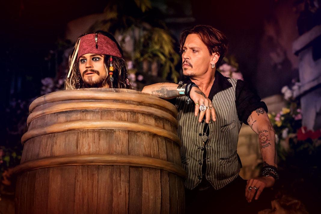 Johnny Depp testet Pirates of the Caribbean