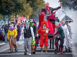 Einmarsch der Monster im Filmpark Babelsberg (Foto-Credit: Budweth)