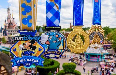 Die Medaillen des ersten Halbmarathon-Wochenendes in Disneyland® Paris