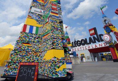 Neuer Weltrekord im LEGOLAND Deutschland –  Der höchste LEGO-Turm der Welt misst 35,47Meter